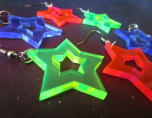 Neon 80s star cutout earrings pink blue green (1)