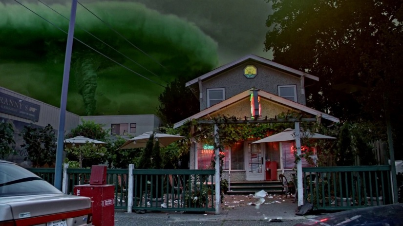 Once-Upon-a-Time-5x01-The-Dark-Swan-Zelenas-tornado-portal-approaching-at-Grannys