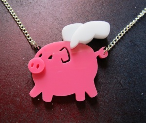 pig-when-pigs-fly-wings-flying-oin-necklace-pink-foxyfunk-1